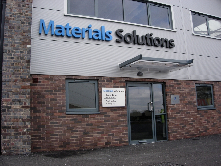 Built-up letters, 3D letters, 3D signs, logo signs, cut out letters, stainless steel letters
