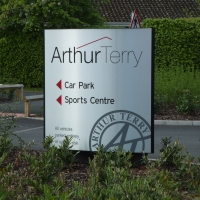 Monocurve sign, Monolith sign, totem, totem sign, freestanding sign, forecourt sign, welcome sign, large signs